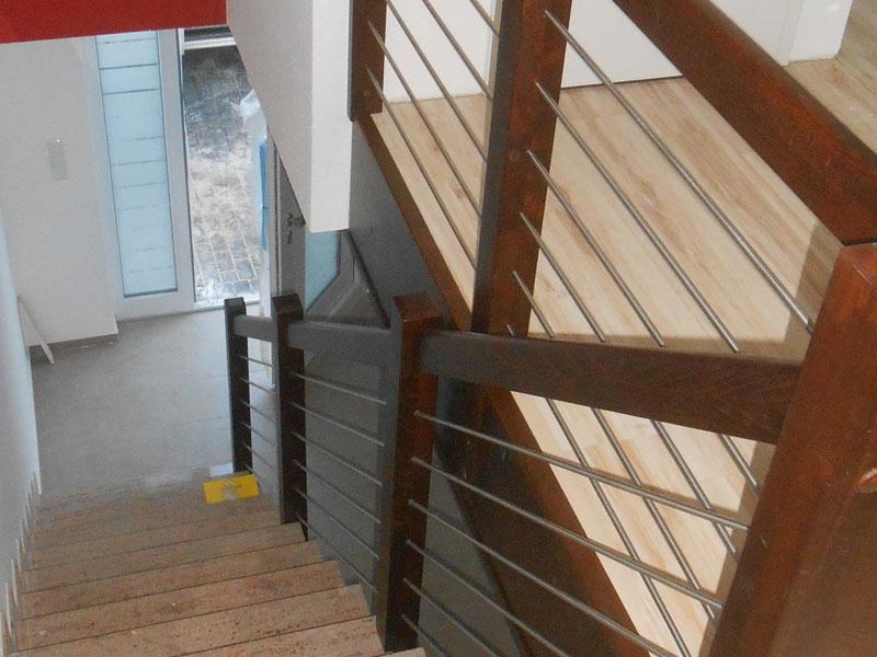 Treppengeländer Holz gebeizt